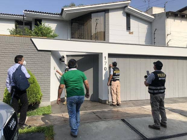 Allanan casa del General Astudillo por presunta venta ilegal de gasolina
