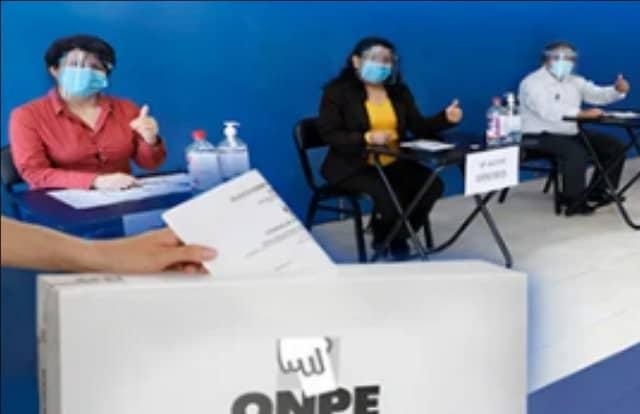 Oscar Ugarte: la vacunación no es un prerrequisito para la participación de los miembros de mesa