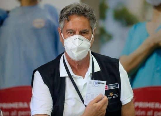 Francisco Sagasti recibió la segunda dosis de la vacuna contra la covid-19