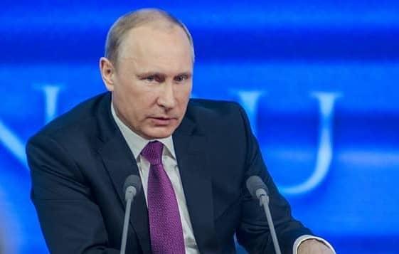 Putin: Más de 4 millones de rusos han sido vacunados contra la covid-19